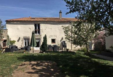 Maison Villedoux &bull; <span class='offer-area-number'>240</span> m² environ &bull; <span class='offer-rooms-number'>7</span> pièces