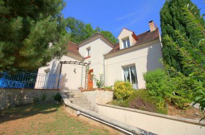 Maison Cinqueux &bull; <span class='offer-area-number'>176</span> m² environ &bull; <span class='offer-rooms-number'>7</span> pièces