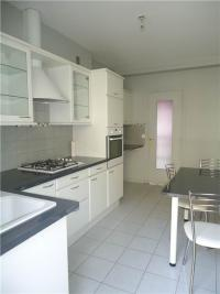 Appartement St Etienne &bull; <span class='offer-area-number'>107</span> m² environ &bull; <span class='offer-rooms-number'>5</span> pièces