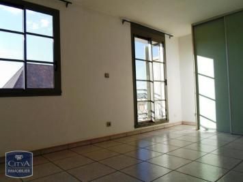 Appartement St Denis &bull; <span class='offer-area-number'>28</span> m² environ