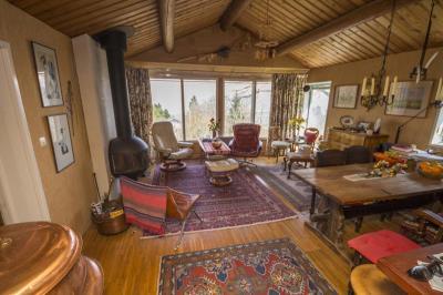 Maison Mijoux &bull; <span class='offer-area-number'>100</span> m² environ &bull; <span class='offer-rooms-number'>4</span> pièces