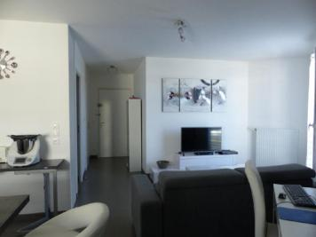 Appartement St Pierre du Perray &bull; <span class='offer-area-number'>64</span> m² environ &bull; <span class='offer-rooms-number'>3</span> pièces