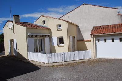 Maison Brem sur Mer &bull; <span class='offer-area-number'>77</span> m² environ &bull; <span class='offer-rooms-number'>3</span> pièces