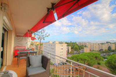 Appartement Antibes &bull; <span class='offer-area-number'>82</span> m² environ &bull; <span class='offer-rooms-number'>3</span> pièces