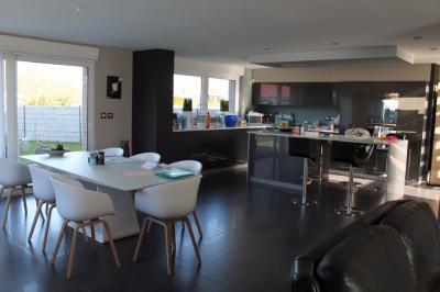 Maison Marquette Lez Lille &bull; <span class='offer-area-number'>155</span> m² environ &bull; <span class='offer-rooms-number'>5</span> pièces