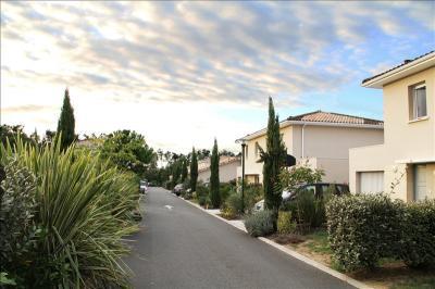 Maison St Andre de Cubzac &bull; <span class='offer-area-number'>85</span> m² environ &bull; <span class='offer-rooms-number'>4</span> pièces