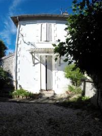 Maison Les Eglisottes et Chalaures &bull; <span class='offer-area-number'>75</span> m² environ &bull; <span class='offer-rooms-number'>3</span> pièces