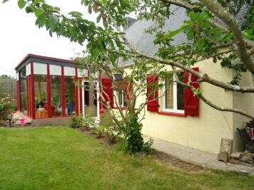 Maison Morgat &bull; <span class='offer-area-number'>95</span> m² environ &bull; <span class='offer-rooms-number'>5</span> pièces
