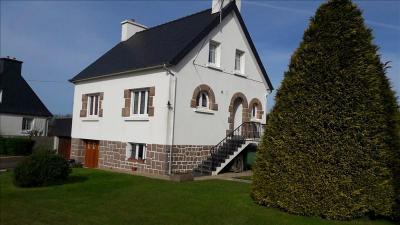 Maison Ploumilliau &bull; <span class='offer-area-number'>90</span> m² environ