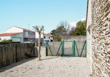 Appartement Chateau d Olonne &bull; <span class='offer-area-number'>50</span> m² environ &bull; <span class='offer-rooms-number'>3</span> pièces