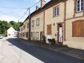 Maison Longny au Perche &bull; <span class='offer-area-number'>58</span> m² environ &bull; <span class='offer-rooms-number'>4</span> pièces