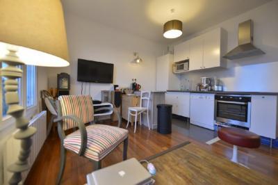 Appartement Paris 02 &bull; <span class='offer-area-number'>52</span> m² environ &bull; <span class='offer-rooms-number'>3</span> pièces