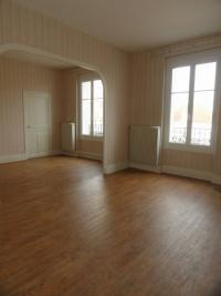 Appartement Vichy &bull; <span class='offer-area-number'>85</span> m² environ &bull; <span class='offer-rooms-number'>4</span> pièces
