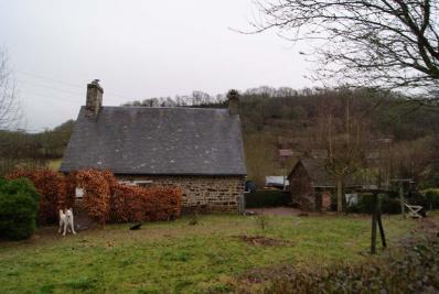 Maison St Denis de Mere &bull; <span class='offer-area-number'>100</span> m² environ &bull; <span class='offer-rooms-number'>4</span> pièces