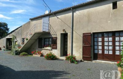 Maison Nueil les Aubiers &bull; <span class='offer-area-number'>90</span> m² environ &bull; <span class='offer-rooms-number'>4</span> pièces