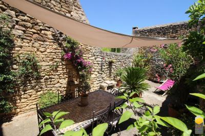 Maison Vers Pont du Gard &bull; <span class='offer-area-number'>105</span> m² environ &bull; <span class='offer-rooms-number'>4</span> pièces