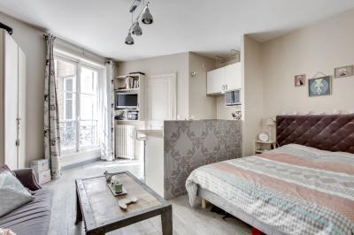 Appartement Paris 01 &bull; <span class='offer-area-number'>21</span> m² environ &bull; <span class='offer-rooms-number'>1</span> pièce