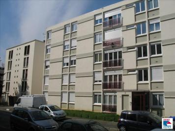 Appartement L Hay les Roses &bull; <span class='offer-area-number'>77</span> m² environ &bull; <span class='offer-rooms-number'>4</span> pièces