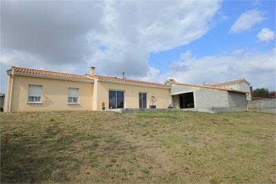 Maison Celles sur Belle &bull; <span class='offer-area-number'>98</span> m² environ &bull; <span class='offer-rooms-number'>5</span> pièces