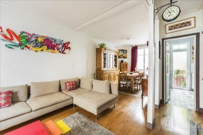 Maison Courbevoie &bull; <span class='offer-area-number'>130</span> m² environ &bull; <span class='offer-rooms-number'>5</span> pièces