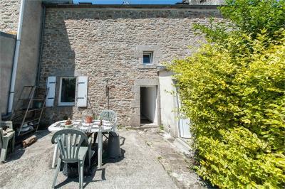 Maison Ploudalmezeau &bull; <span class='offer-area-number'>95</span> m² environ &bull; <span class='offer-rooms-number'>3</span> pièces