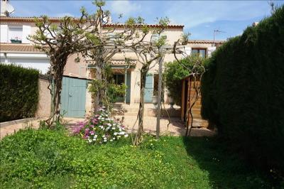 Maison La Londe les Maures &bull; <span class='offer-area-number'>100</span> m² environ &bull; <span class='offer-rooms-number'>4</span> pièces