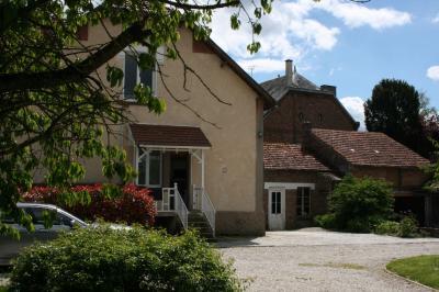 Maison Brissy Hamegicourt &bull; <span class='offer-area-number'>160</span> m² environ &bull; <span class='offer-rooms-number'>7</span> pièces