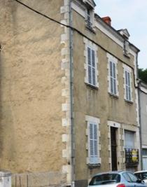 Maison Argenton sur Creuse &bull; <span class='offer-area-number'>95</span> m² environ &bull; <span class='offer-rooms-number'>5</span> pièces