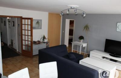 Appartement Vaux sur Seine &bull; <span class='offer-area-number'>77</span> m² environ &bull; <span class='offer-rooms-number'>3</span> pièces