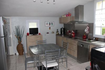 Propri&eacute;t&eacute; Les Lucs sur Boulogne &bull; <span class='offer-area-number'>140</span> m² environ &bull; <span class='offer-rooms-number'>6</span> pièces