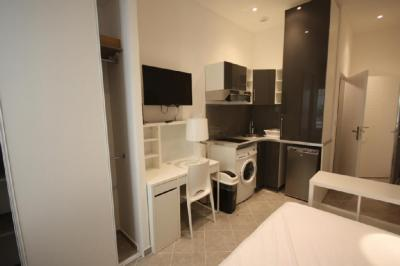 Appartement Marseille 02 &bull; <span class='offer-area-number'>17</span> m² environ &bull; <span class='offer-rooms-number'>1</span> pièce