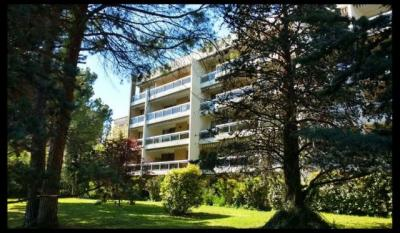 Appartement Aix en Provence &bull; <span class='offer-area-number'>107</span> m² environ &bull; <span class='offer-rooms-number'>4</span> pièces
