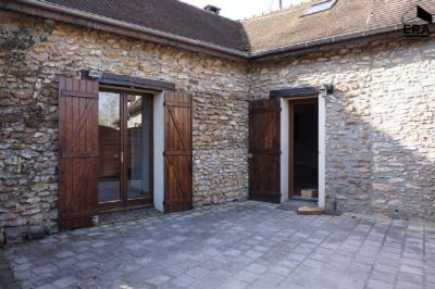 Maison St Hilarion &bull; <span class='offer-area-number'>75</span> m² environ &bull; <span class='offer-rooms-number'>3</span> pièces