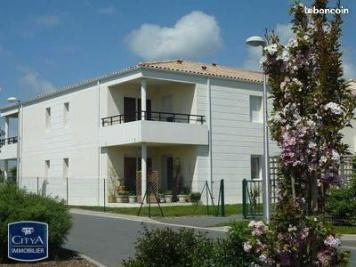Appartement Tonnay Charente &bull; <span class='offer-area-number'>70</span> m² environ &bull; <span class='offer-rooms-number'>3</span> pièces