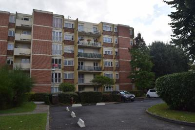 Appartement Ezanville &bull; <span class='offer-area-number'>74</span> m² environ &bull; <span class='offer-rooms-number'>3</span> pièces