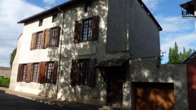 Maison Sathonay Village &bull; <span class='offer-area-number'>148</span> m² environ &bull; <span class='offer-rooms-number'>5</span> pièces