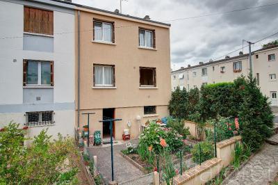 Maison St Michel sur Orge &bull; <span class='offer-area-number'>75</span> m² environ &bull; <span class='offer-rooms-number'>4</span> pièces