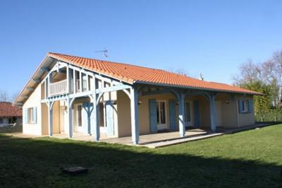 Maison Pontonx sur l Adour &bull; <span class='offer-area-number'>124</span> m² environ &bull; <span class='offer-rooms-number'>4</span> pièces