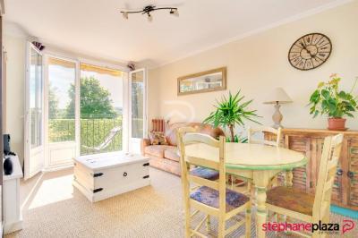Appartement Le Vesinet &bull; <span class='offer-area-number'>53</span> m² environ &bull; <span class='offer-rooms-number'>3</span> pièces