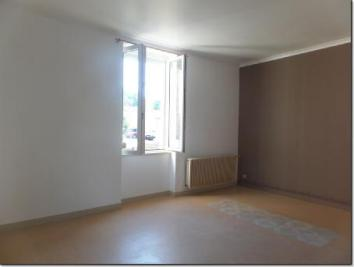 Appartement Sury le Comtal &bull; <span class='offer-area-number'>32</span> m² environ &bull; <span class='offer-rooms-number'>2</span> pièces