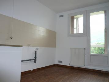 Appartement Seyssinet Pariset &bull; <span class='offer-area-number'>68</span> m² environ &bull; <span class='offer-rooms-number'>4</span> pièces