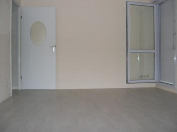Appartement Le Plessis Belleville &bull; <span class='offer-area-number'>29</span> m² environ &bull; <span class='offer-rooms-number'>1</span> pièce