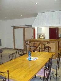 Maison Vinneuf &bull; <span class='offer-area-number'>170</span> m² environ &bull; <span class='offer-rooms-number'>4</span> pièces