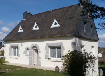 Maison Le Vieux Marche &bull; <span class='offer-area-number'>120</span> m² environ &bull; <span class='offer-rooms-number'>7</span> pièces
