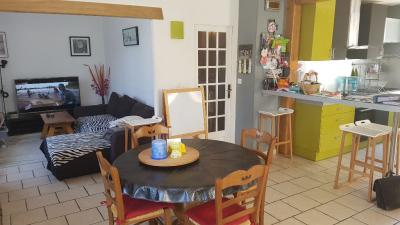 Maison Lacroix St Ouen &bull; <span class='offer-area-number'>116</span> m² environ &bull; <span class='offer-rooms-number'>5</span> pièces