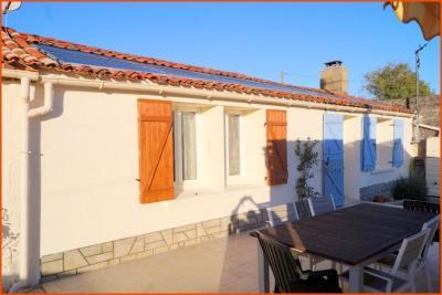 Maison Le Girouard &bull; <span class='offer-area-number'>143</span> m² environ &bull; <span class='offer-rooms-number'>6</span> pièces