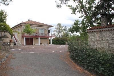 Maison Mirabeau &bull; <span class='offer-area-number'>137</span> m² environ &bull; <span class='offer-rooms-number'>5</span> pièces