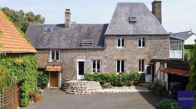 Maison St Aubin de Terregatte &bull; <span class='offer-area-number'>196</span> m² environ &bull; <span class='offer-rooms-number'>8</span> pièces