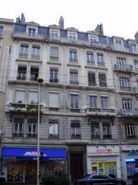 Appartement Lyon 07 &bull; <span class='offer-area-number'>21</span> m² environ &bull; <span class='offer-rooms-number'>2</span> pièces