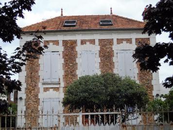 Maison Le Perreux sur Marne &bull; <span class='offer-area-number'>110</span> m² environ &bull; <span class='offer-rooms-number'>6</span> pièces
